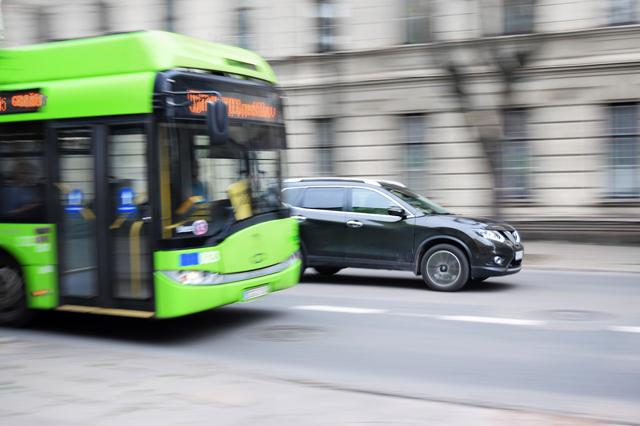 Kontakt Bus
